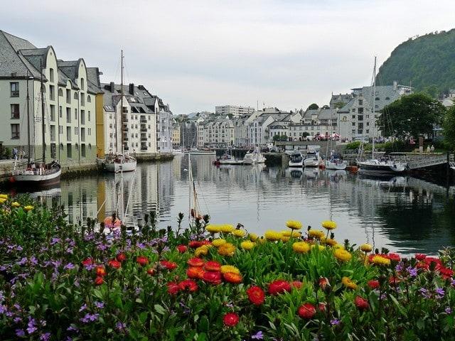 hjorundfjord-by-boat-and-bus-alesund-norway-1