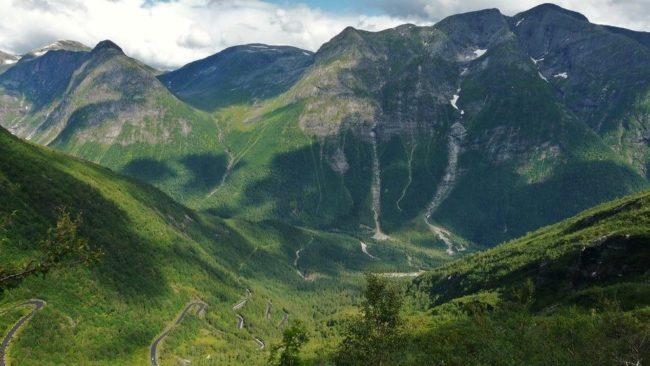Vetlefjorddalen и Bårddalen (из графства дорожного 13)