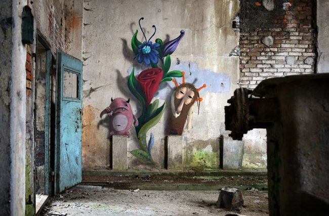 Monzter-animated-mural-art-by-Kim-Kwacz12__880