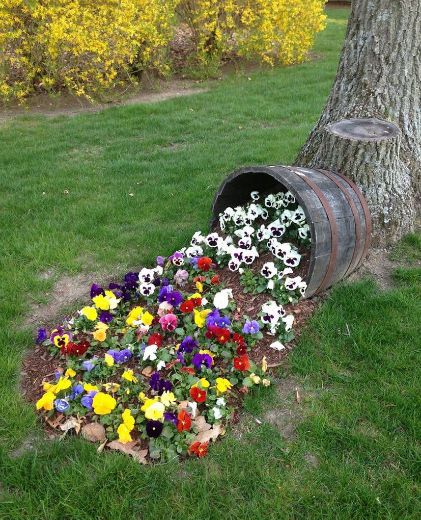 spilled-flowers-garden-ideas-15__880