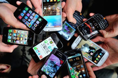 Топ 10: лучшие бюджетные смартфоны 2015 года