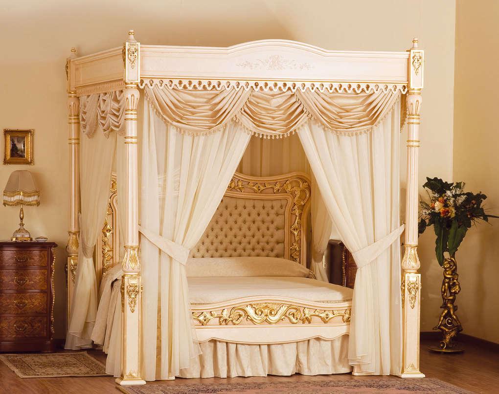 Дизайнерская кровать от Стюарта Хъюдженса