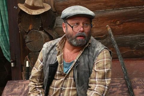 Лучшие русские комедии про деревню и деревенскую жизнь