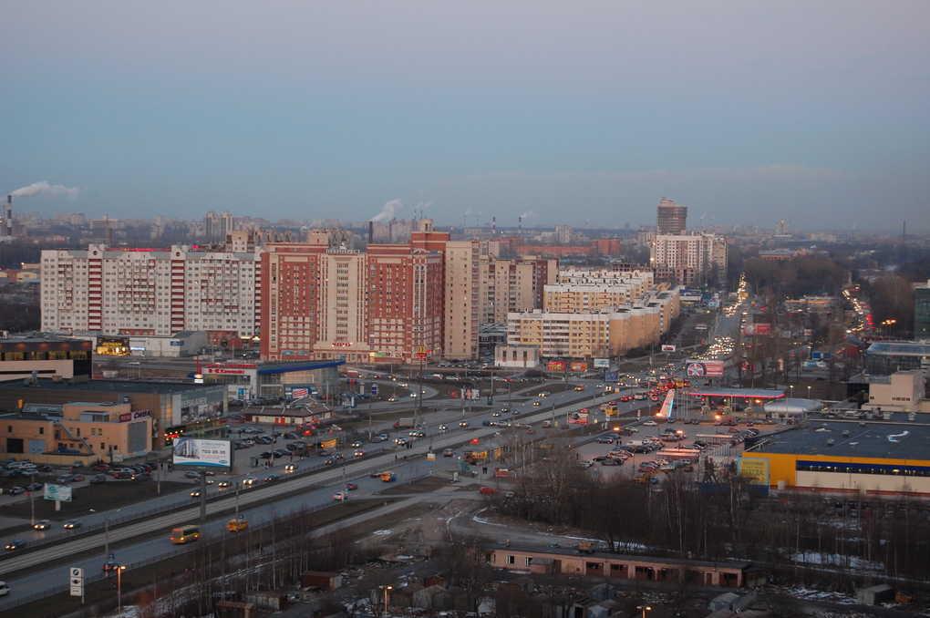 Приморское шоссе в Санкт-Петербурге (Россия)