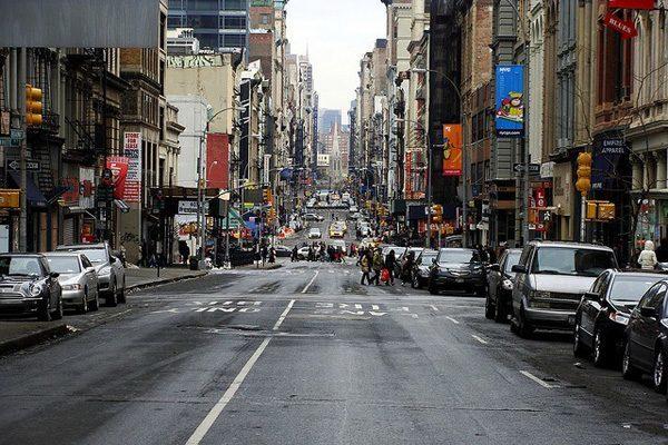 Улица Бродвей в Нью-Йорке (США)