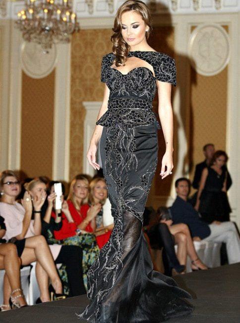 Платье от Debbie Wingham