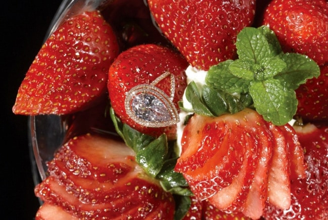 Десерт Strawberries Arnaud