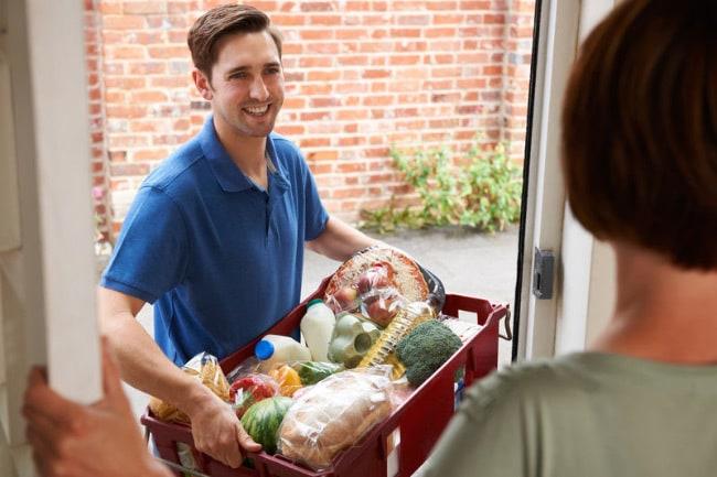 Доставка продуктов питания и хозтоваров на дом