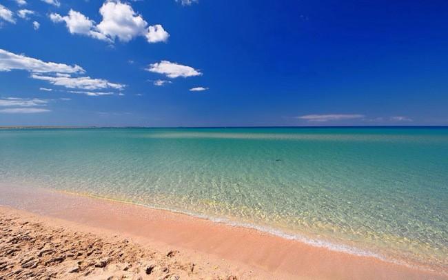 Пляж Оленевки крым
