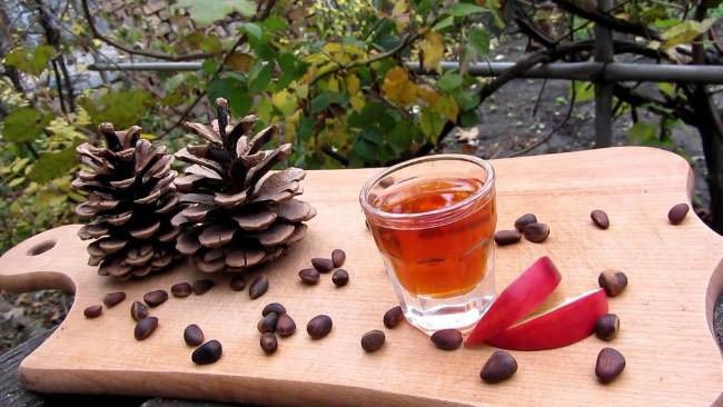 Быстрый рецепт коньяка из кедровых орехов