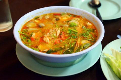 Кунг Сом Пак Руам блюдо