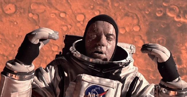 Человек в открытом космосе