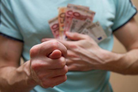 10 плохих привычек человека, которые обрекают его на бедность