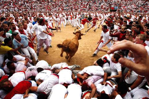 10 самых необычных и сумасшедших праздников в мире