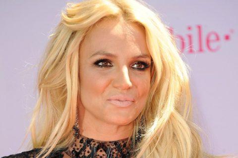 10 знаменитостей, которые выглядят намного старше своего возраста
