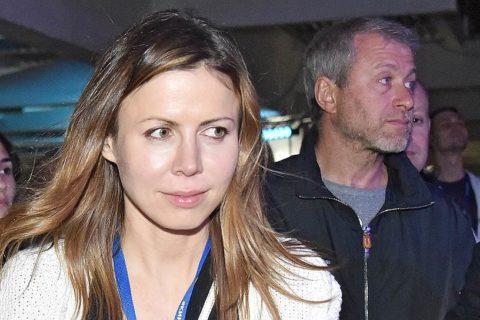 10 самых красивых жён российских олигархов