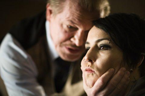 10 признаков того, что мужчина тебя разрушает