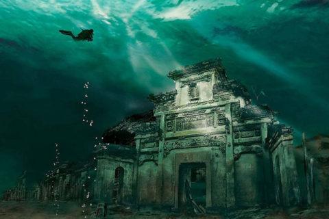 10 удивительных находок под водой