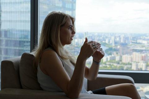 10 вещей, которые отталкивают людей при первой встрече