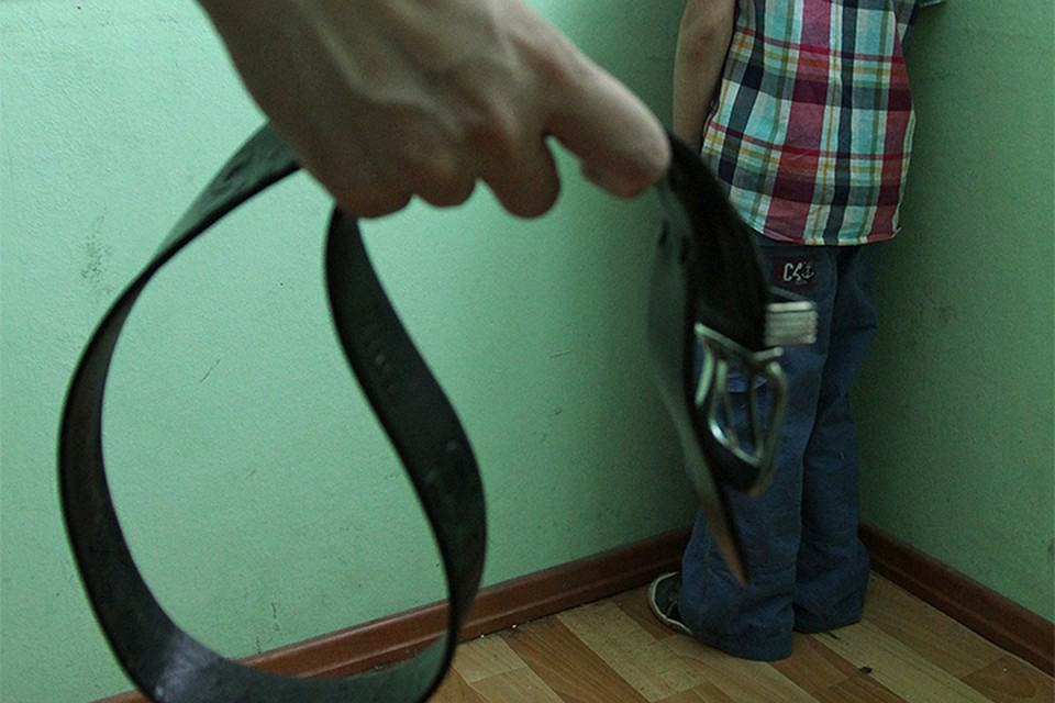 связанная грудастая смотреть видео отпорол ремнем женщина