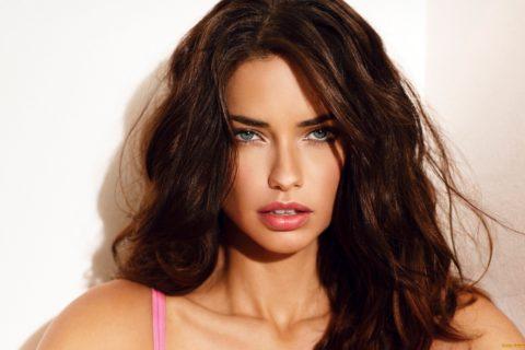 Топ 10 знаменитостей с самыми красивыми губами