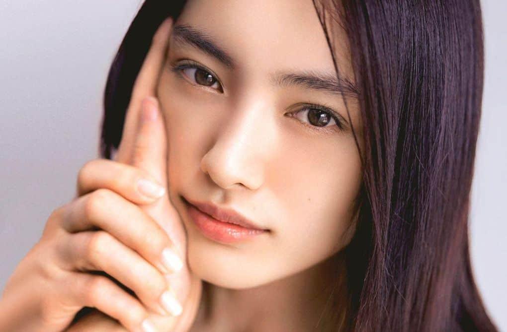 ученик красивые азиаики фото слева сделано сотовый