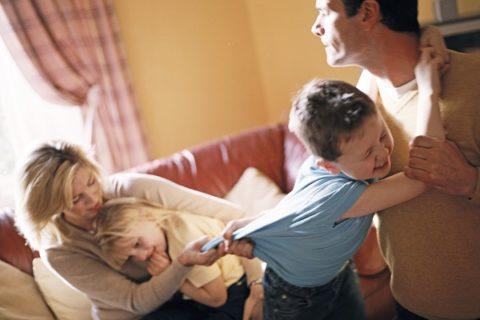 10 ошибок при разводе, которые травмируют детей
