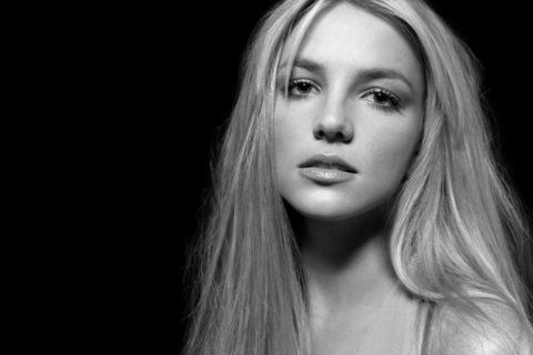 10 знаменитостей, которые пытались покончить с собой