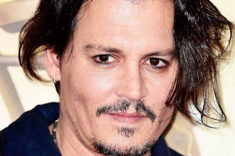 10 знаменитых мужчин, которые носят макияж