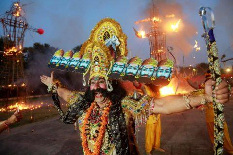10 самых странных индийских ритуалов