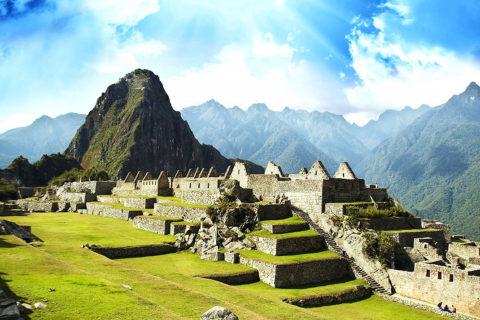 10 чудес мира, почти разрушенных нашествием туристов