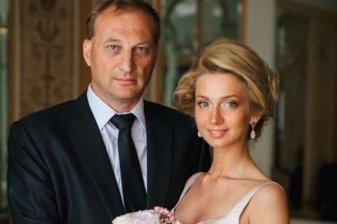 10 олигархов, которые предпочли жениться на умных