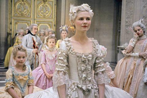 Топ 10 платьев из фильмов, вошедших в историю моды