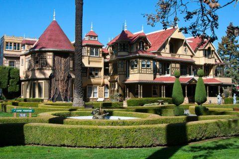 10 знаменитых домов с привидениями