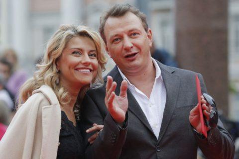 10 самых коротких браков российских звезд