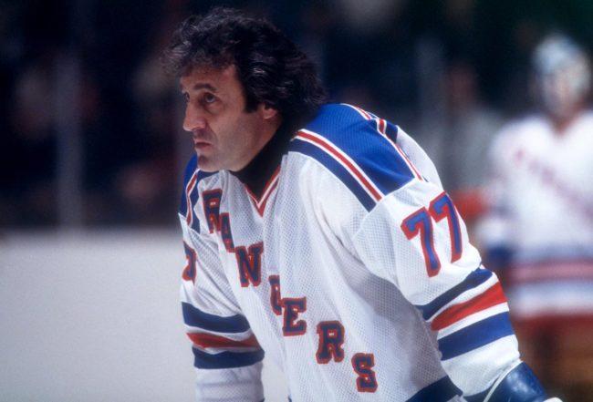 Лучшие бомбардиры НХЛ за всю историю: топ 10  Фил Эспозито В Молодости