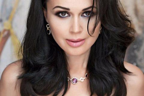 10 российских актрис, чья красота компенсирует отсутствие таланта