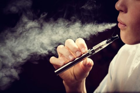 10 самых популярных моделей электронных сигарет на 2019 год