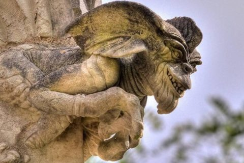 10 «сюрпризов», которые можно увидеть на старинных памятниках архитектуры