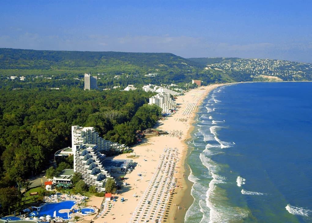 8 лучших недорогих пляжных курортов
