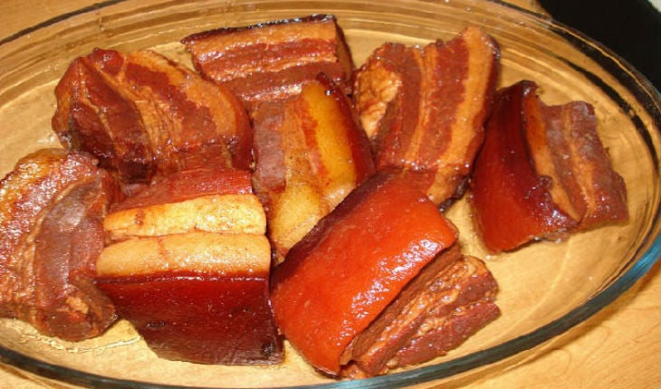 Вареное сало в луковой шелухе рецепт